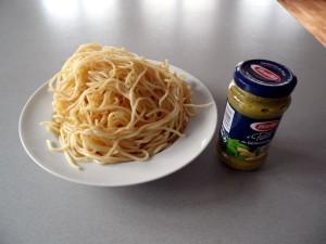 spaghetti-mit-pesto-1
